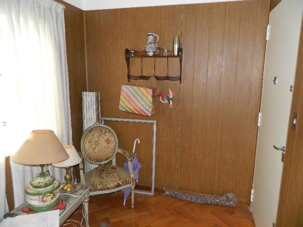Hermoso Departamento con Cochera Cubierta en Semi piso Barrio General Paz V. Celina