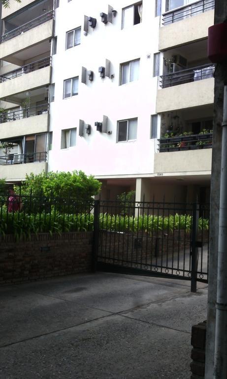 TUCUMAN 1563 .DTO. CON COCHERA . AMPLIO. jardín - espacios verdes
