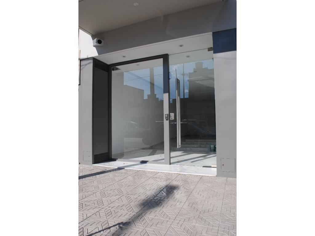 Exelente departamento de 2 ambientes, amplios luminosos, cocina separada balcon, edif de categoria