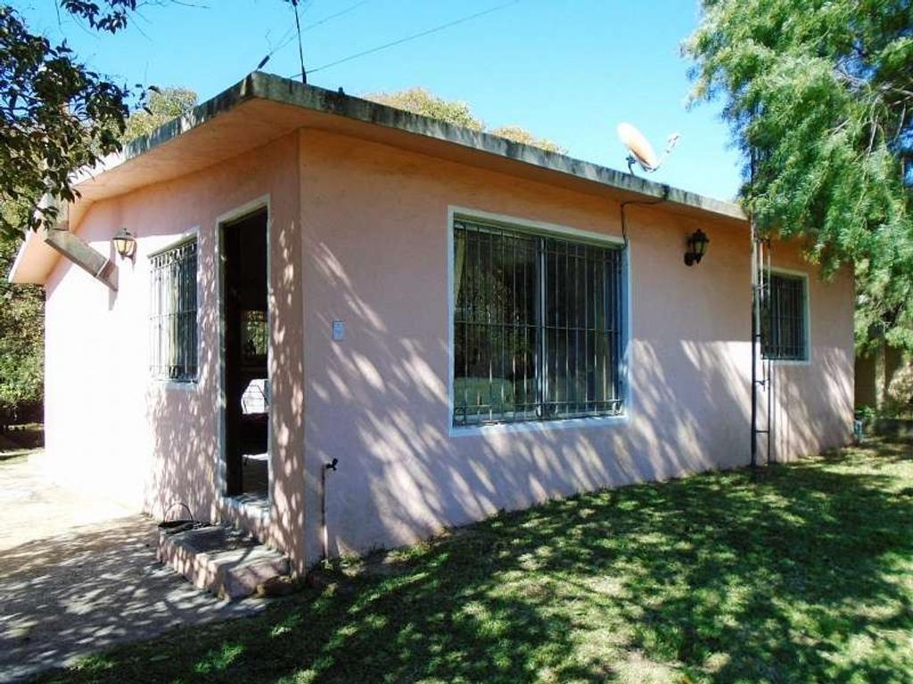 Casa en 1 planta.  Living/Comedor. 2 dormitorio(s). Cocina Americana. Jardín. Antigüedad: 15 ...