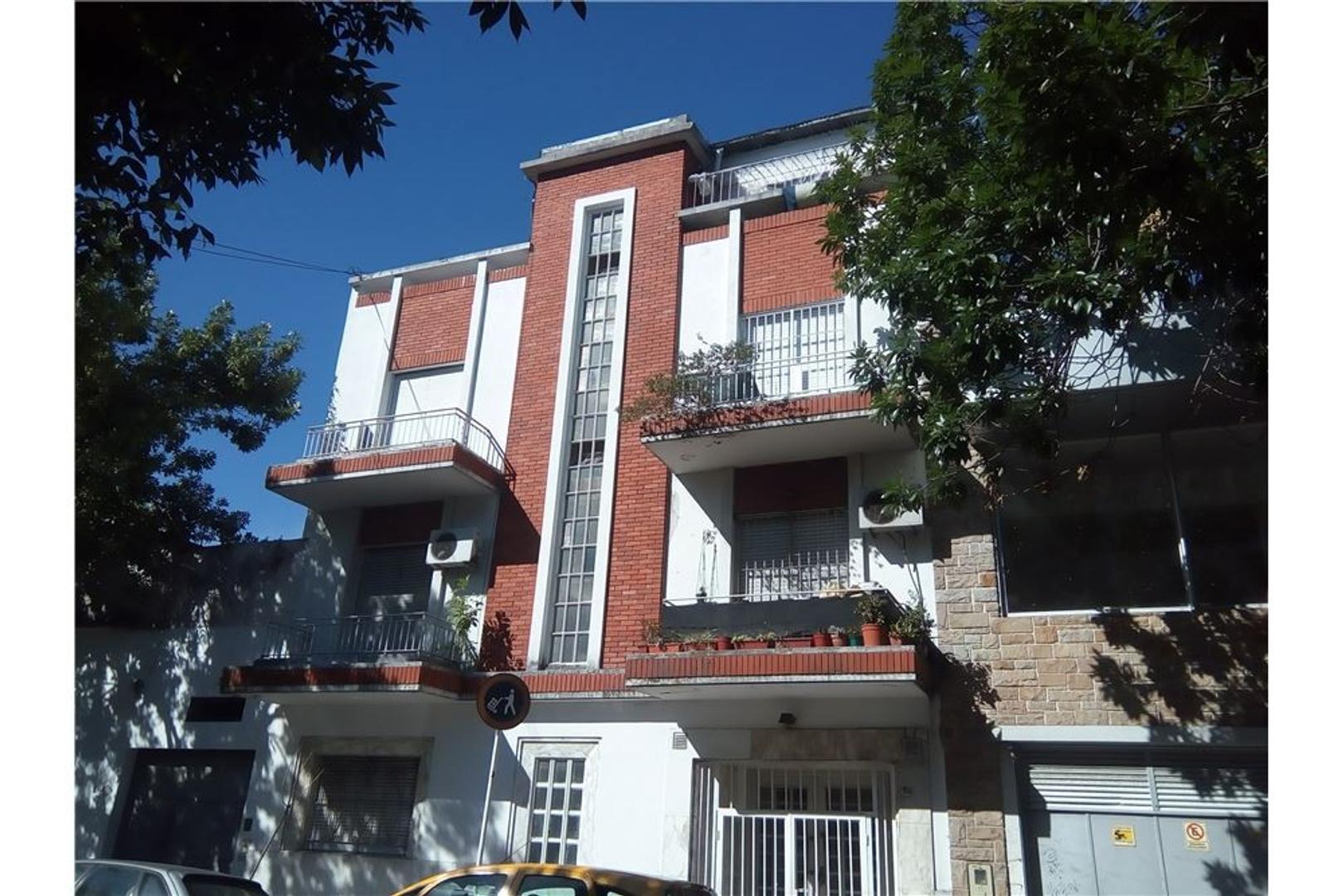 2 Amb al Frente con balcón 47 m2 Apto Credito