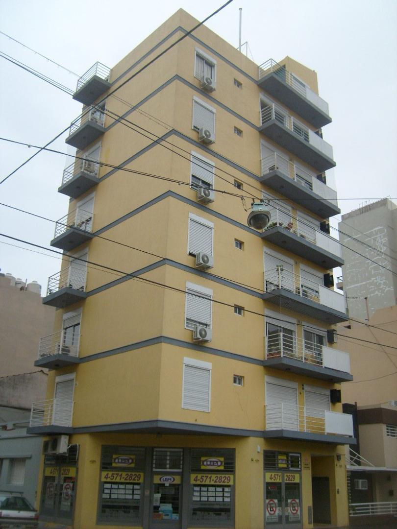 IMPERDIBLES OFICINAS PISO ENTERO CON PALIER PRIVADO 2 BAÑOS, 2 BALCONES, EXPENSAS INCLUIDAS