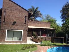 Casa Quinta de 5 ambientes con Quincho y Pileta