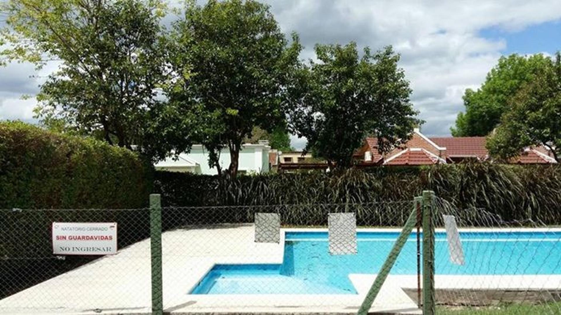 Casa en Alquiler en Pilar - 3 ambientes
