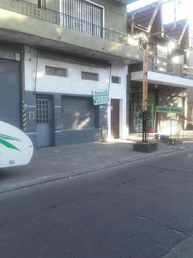 LOCAL/DEPOSITO ZONA SAN JUSTO 5x10, SOBRE AMERICA A 1cda DE PERON