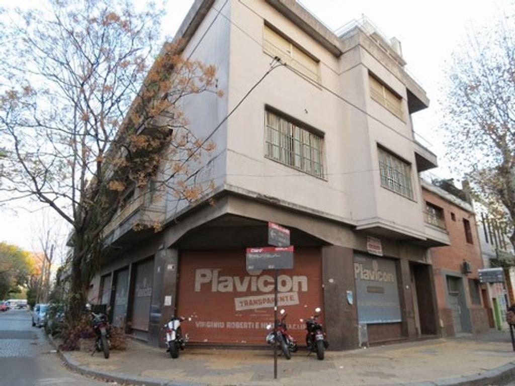 Amplio local en alquiler en el barrio de Caballito - sin expensas -
