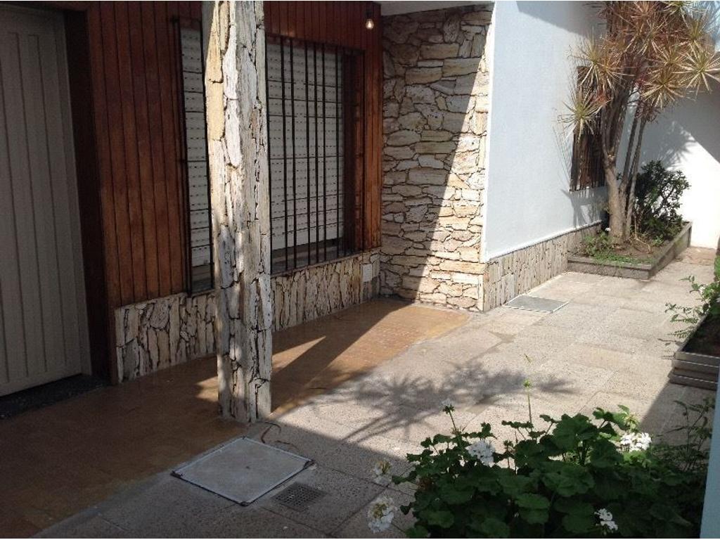 Casa En Venta En Argentina 840 Loma Hermosa Inmuebles