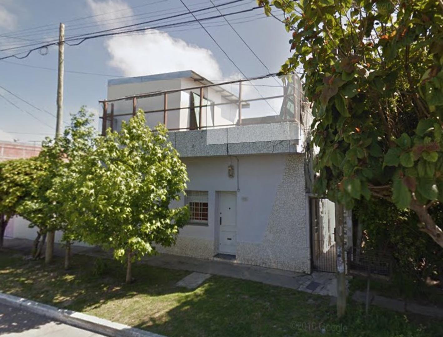 Venta casa PH - Bernal Este