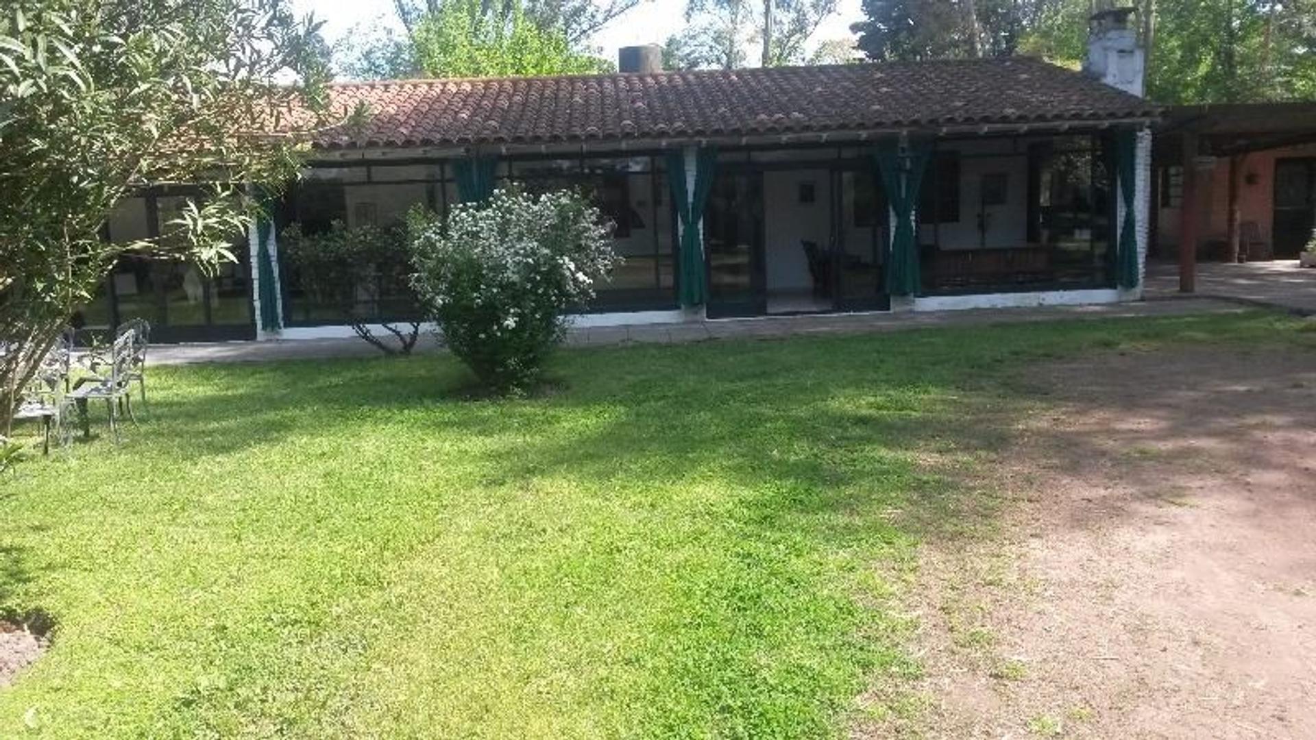 Quinta en Gral.Rodríguez, a 80mts. de ruta 5 (ex 7), Barrio