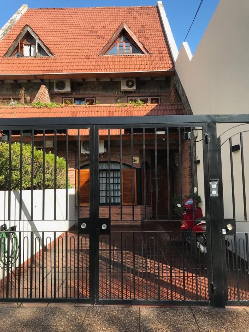 Casa en Venta en Villa del Parque - 5 ambientes