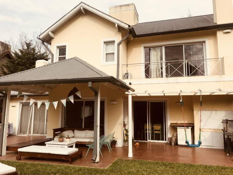 Casa en Venta - USD 300.000