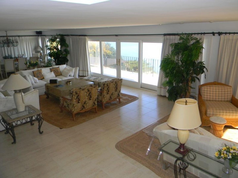 Casa - 500 m² | 5 dormitorios | 22 años