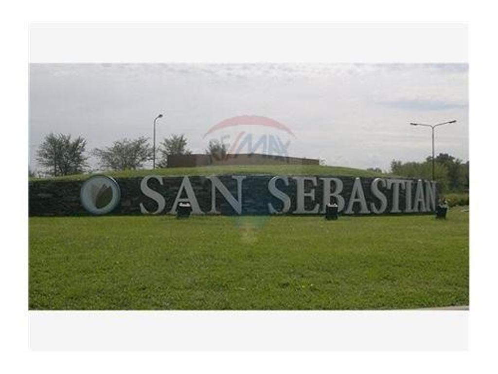Terreo en venta en San Sebastian/ Area 13