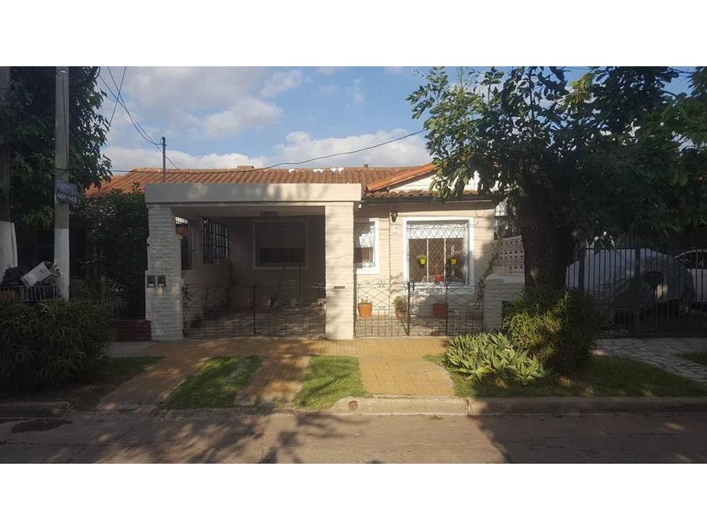 Casa en venta en libertad ciudad jardin del palomar for Casa en ciudad jardin