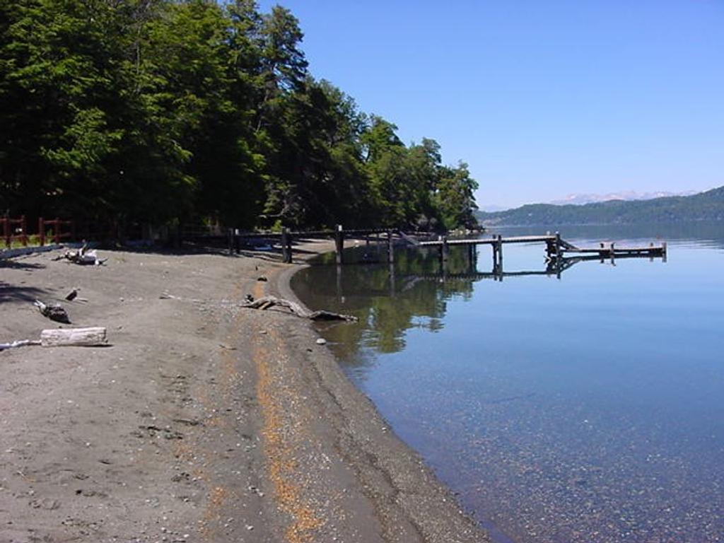 Lote en Barrio Calfuco con costa de lago