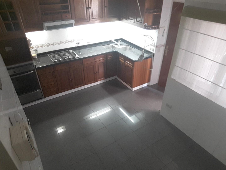 Alquiler 4 amb. Av. Olazabal 5014 superficie total 116 m2  c/cochera fija cubierta.-