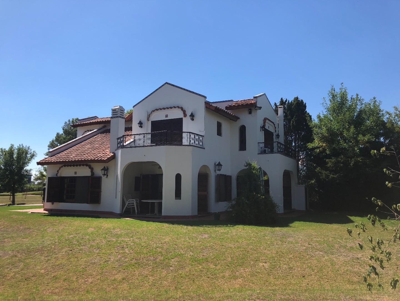 Exc casa en Aranjuez de 3 Dorm liv com toil coc y jardinD330000GABY LOPEZ 1556242499