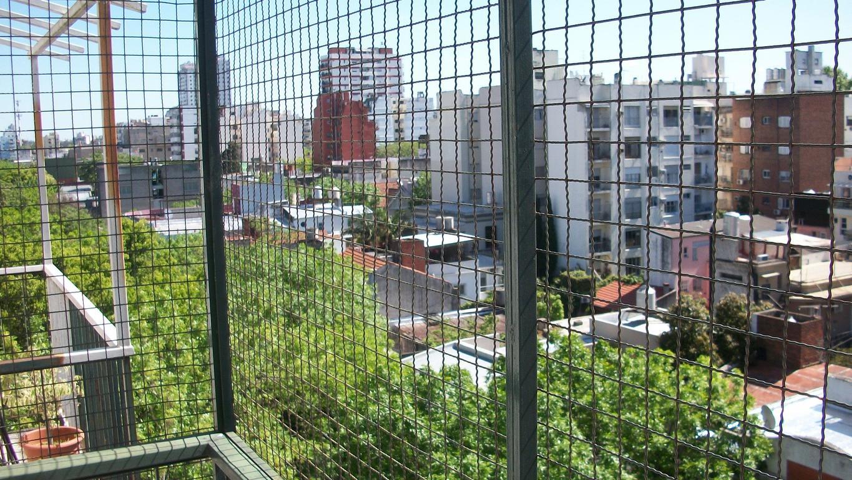 3 ambientes frente con balcon