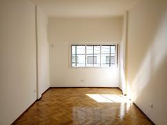 Departamento 3 dormitorios living cocina 1 baño Belgrano
