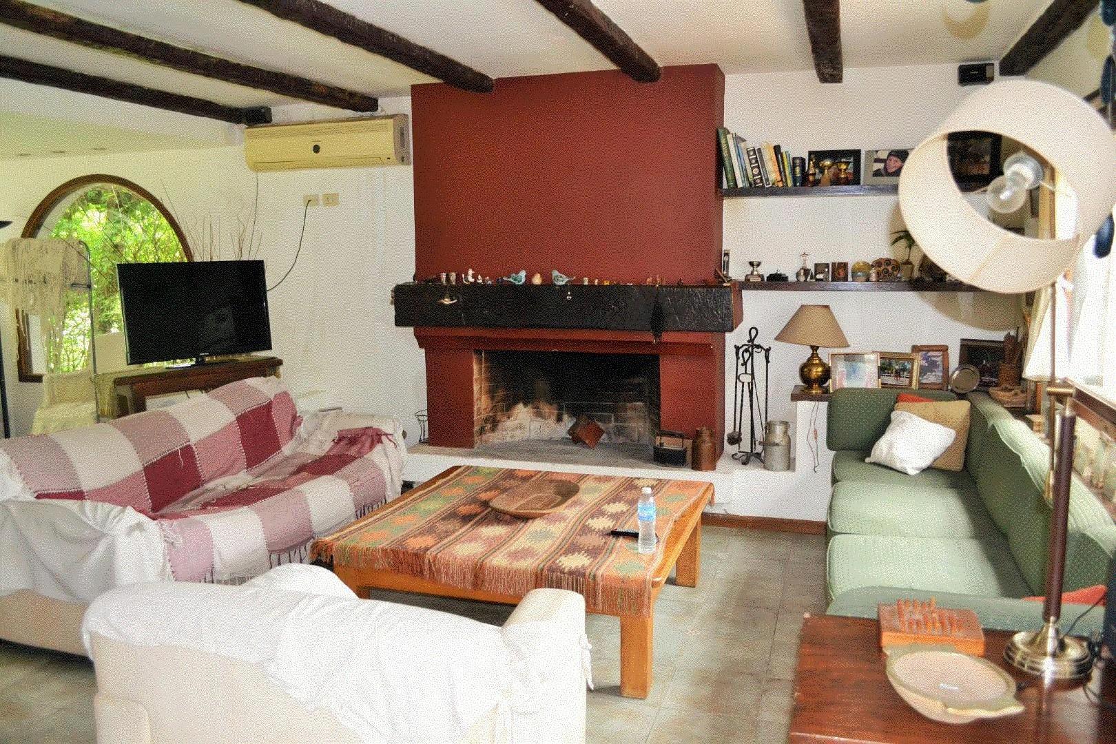 Casa - 180 m²   4 dormitorios   35 años