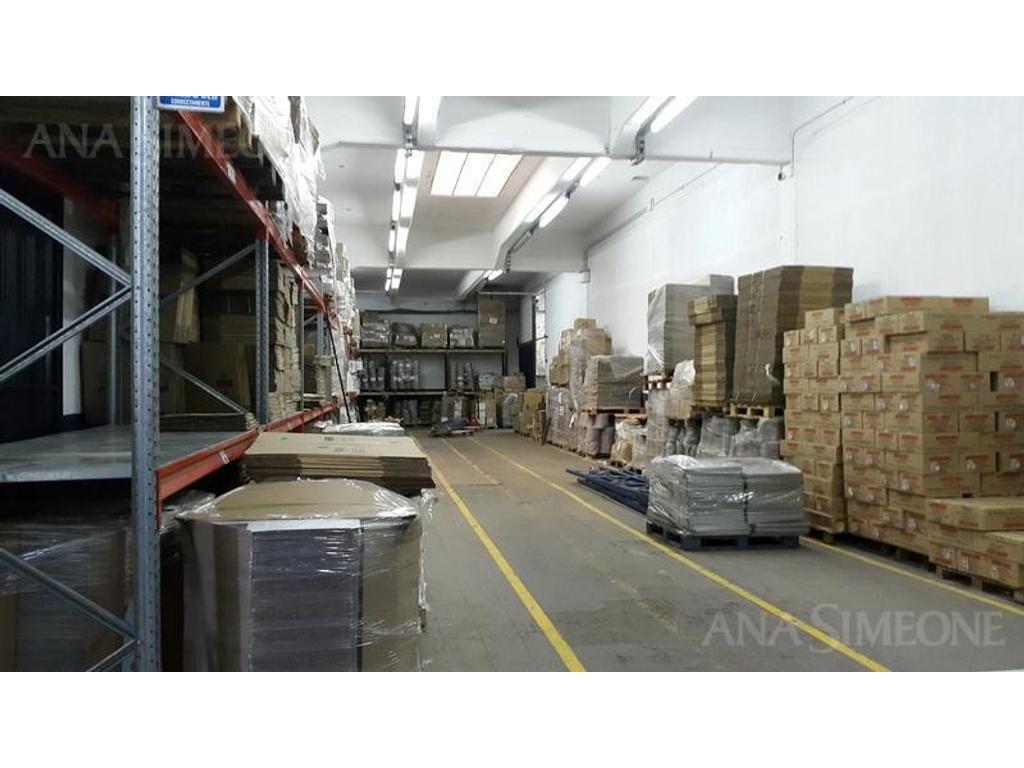 Nave de 958 m2 cubiertos dentro de Parque Industrial