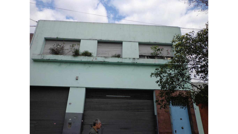 Piso de 130 mts. cubiertos con patio y terraza en Pompeya