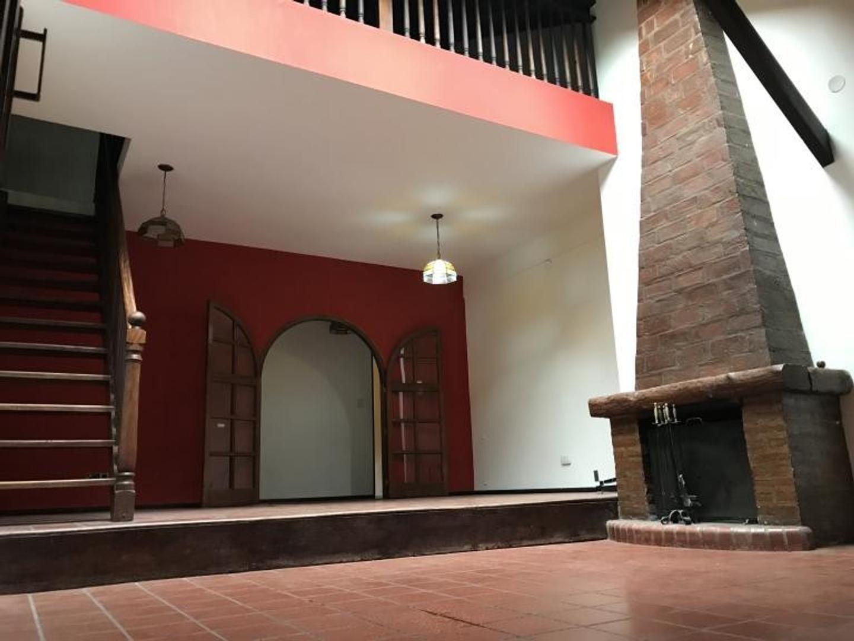 Casa en Alquiler en Villa Ballester - 5 ambientes