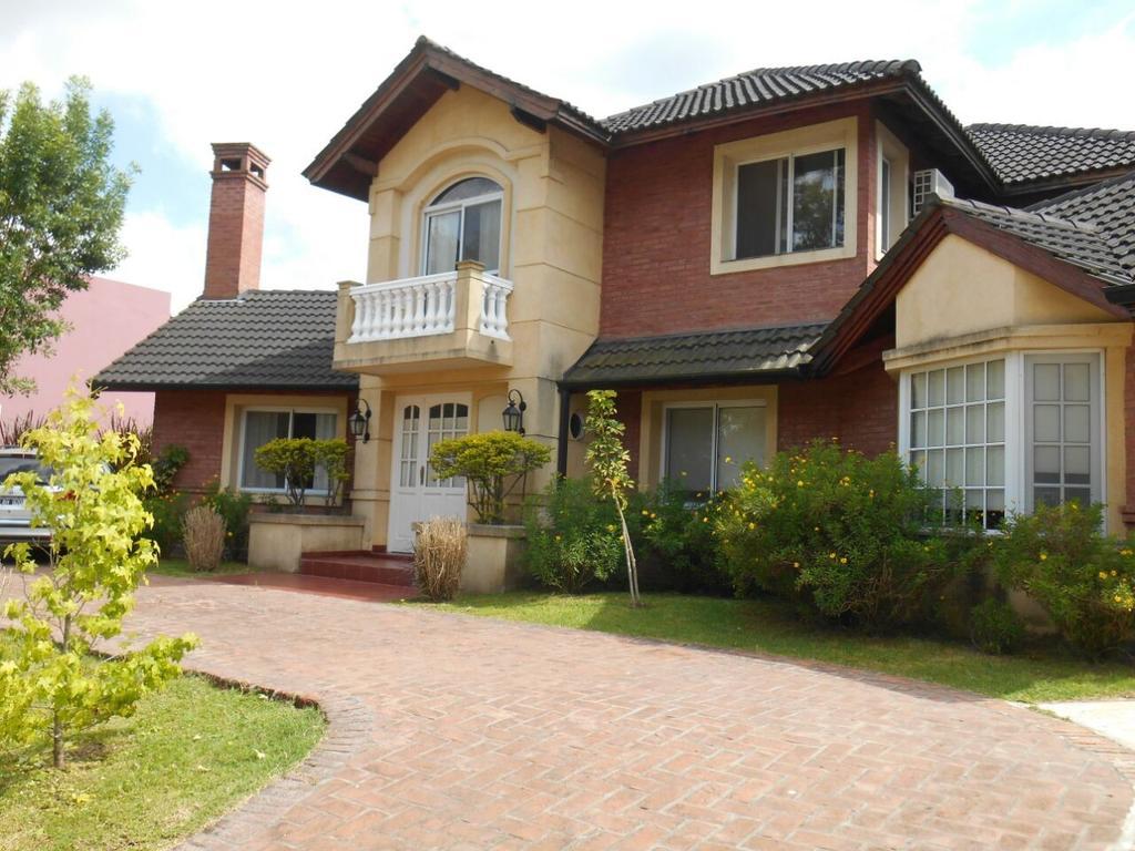 Casa 258 m2, 5 dormitorios en Fincas del Lago, Maschwitz