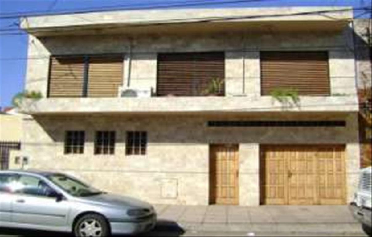 Casa en Venta de 4 ambientes en Buenos Aires, Pdo. de La Matanza, Villa Luzuriaga