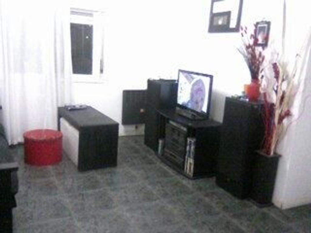 Departamento En Alquiler En Inte Carlos Ratti 4500 Ituzaingo  # Muebles De Campo Gaona