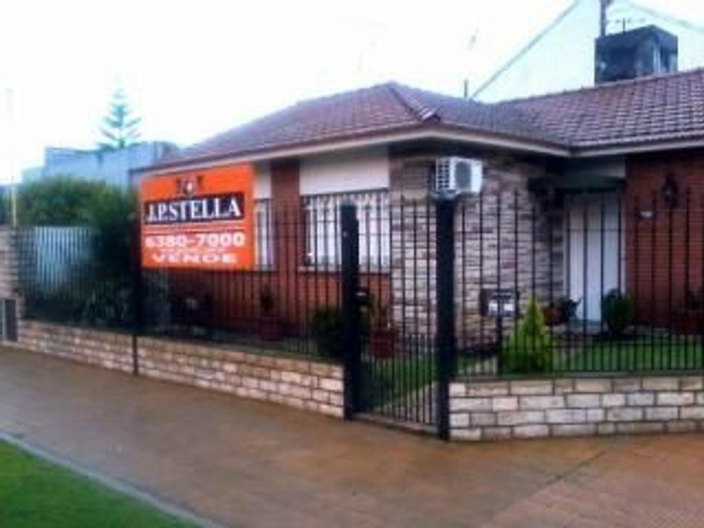 Casa en Venta de 3 ambientes en Buenos Aires, Pdo. de La Matanza, San Justo, Centro