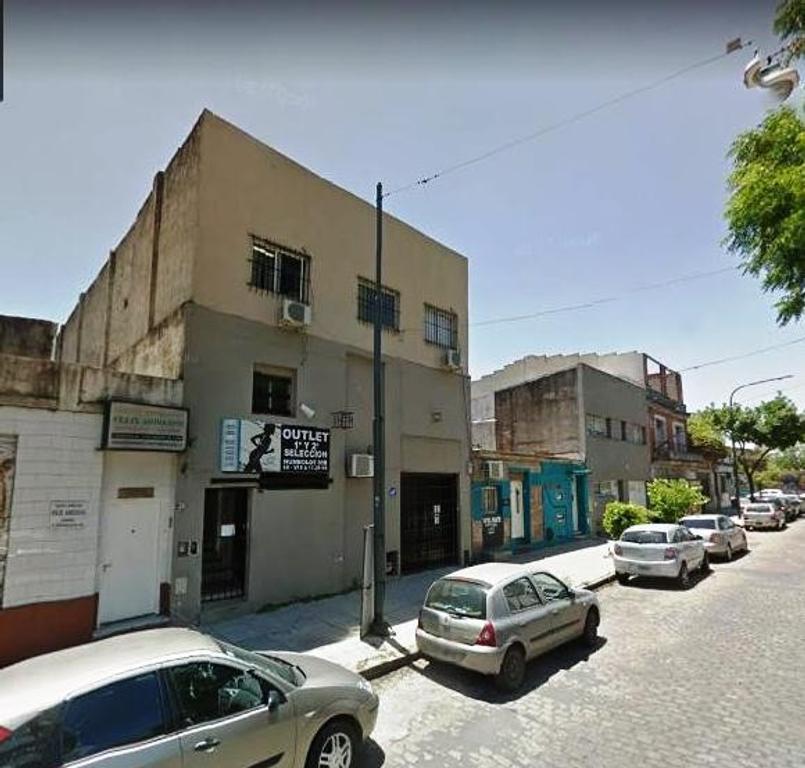 Depósito en buen estado a mts de Av. Corrientes
