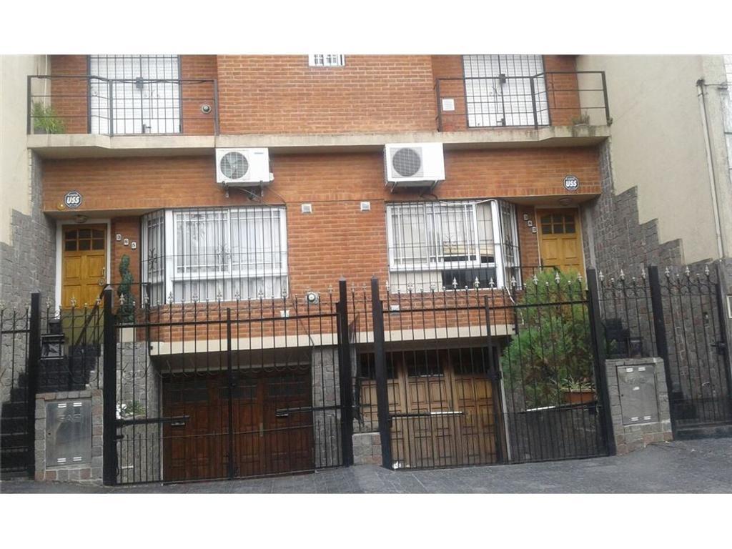Treiplex 4 amb ramos,garage Y patio Apto Credito