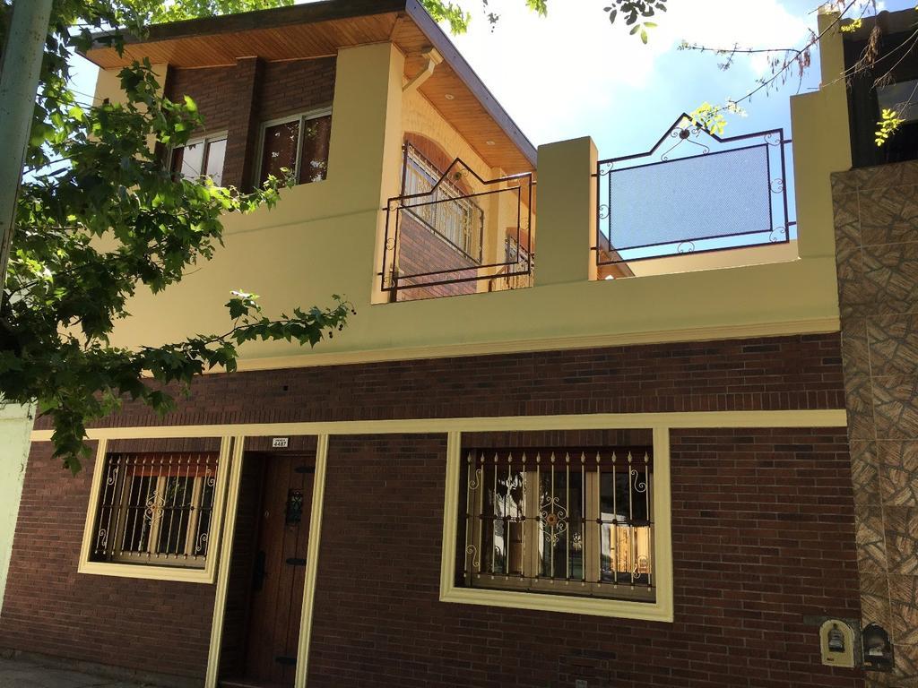 Casa 3 amb + dep Quincho Impecable!!!
