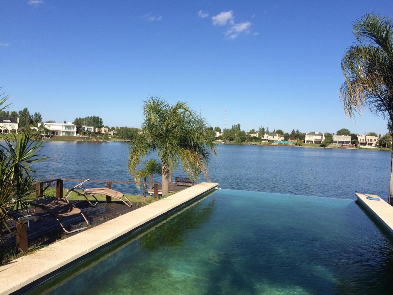 Espectacular Villa Italiana en Santa Barbara, la mejor vista al lago central!