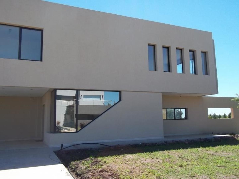 Hermosa Casa Minimalista en San Eliseo!