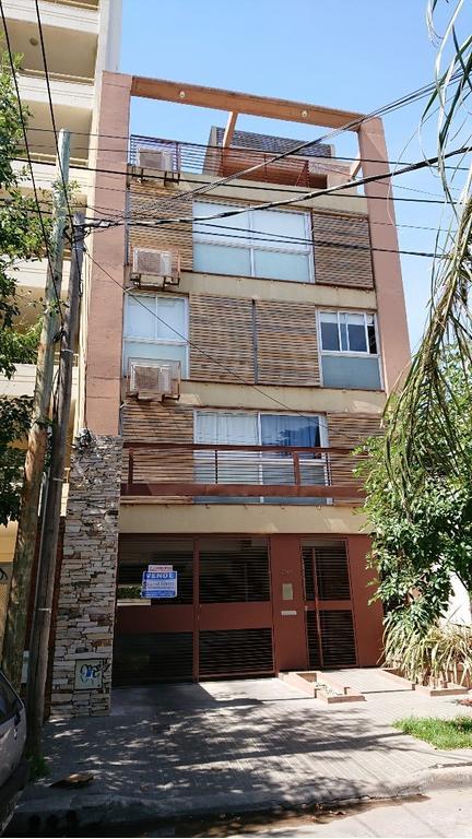 Departamento dos ambientes con balcón - Apto crédito