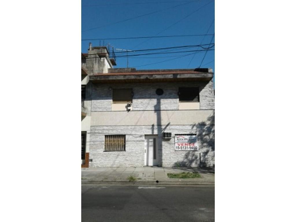 VENTA DE EXCELENTE CASA EN DOS PLANTAS,PATIO,TERRAZA,PARRILLA