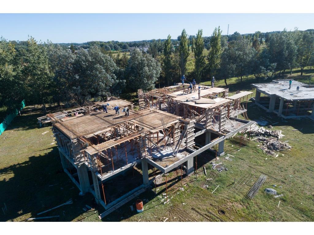 En construcción departamentos desde 61m2 , Anticipo y 84 cuotas!