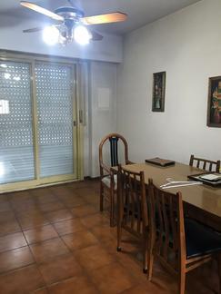ALQUILER. Departamento de tres ambientes AMUEBLADO en el centro de San Martin!