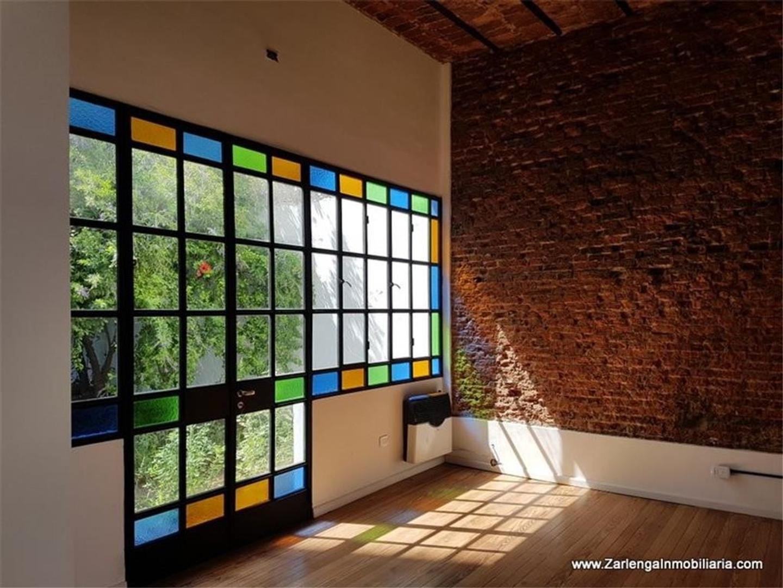 Del Barco Centenera 1700.- PH en venta con 2 dormitorios, escritorio, lavadero, patio, terraza.-
