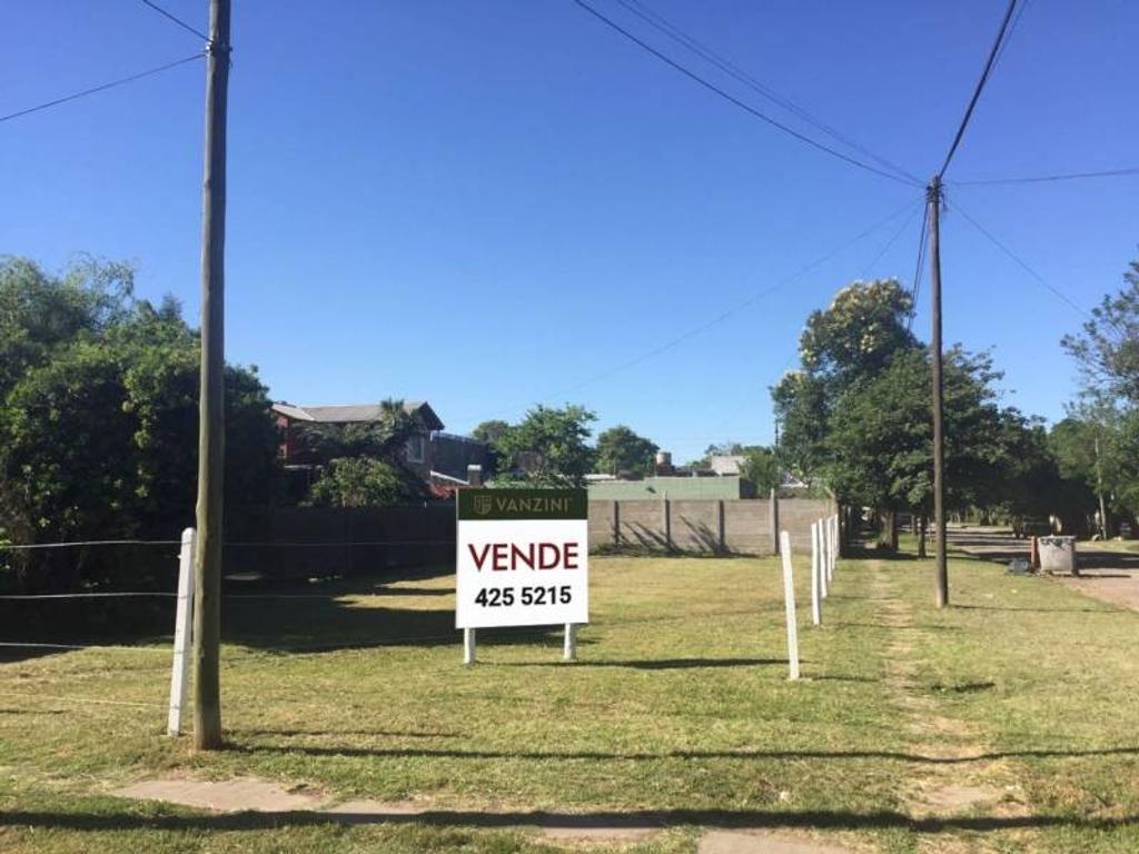 Lote ideal para desarrollo en altura en el mejor barrio de Funes