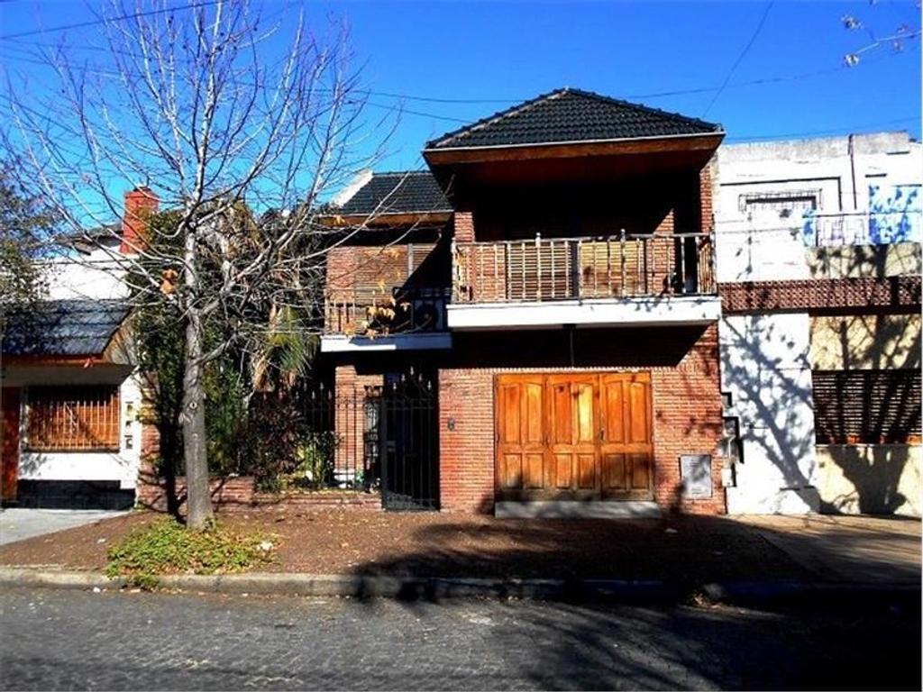 Casa en venta en cafayate 1471 mataderos argenprop for Casa de azulejos en capital federal