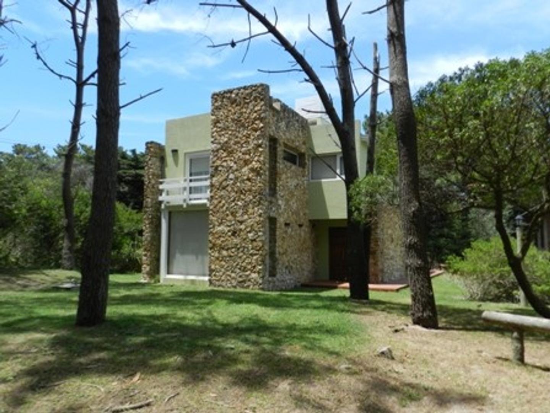 Casa en Venta en Mar De Las Pampas - 4 ambientes