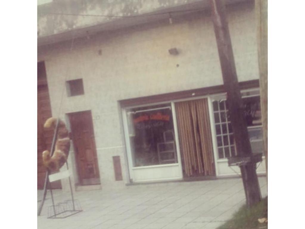 Local panaderia con vivienda