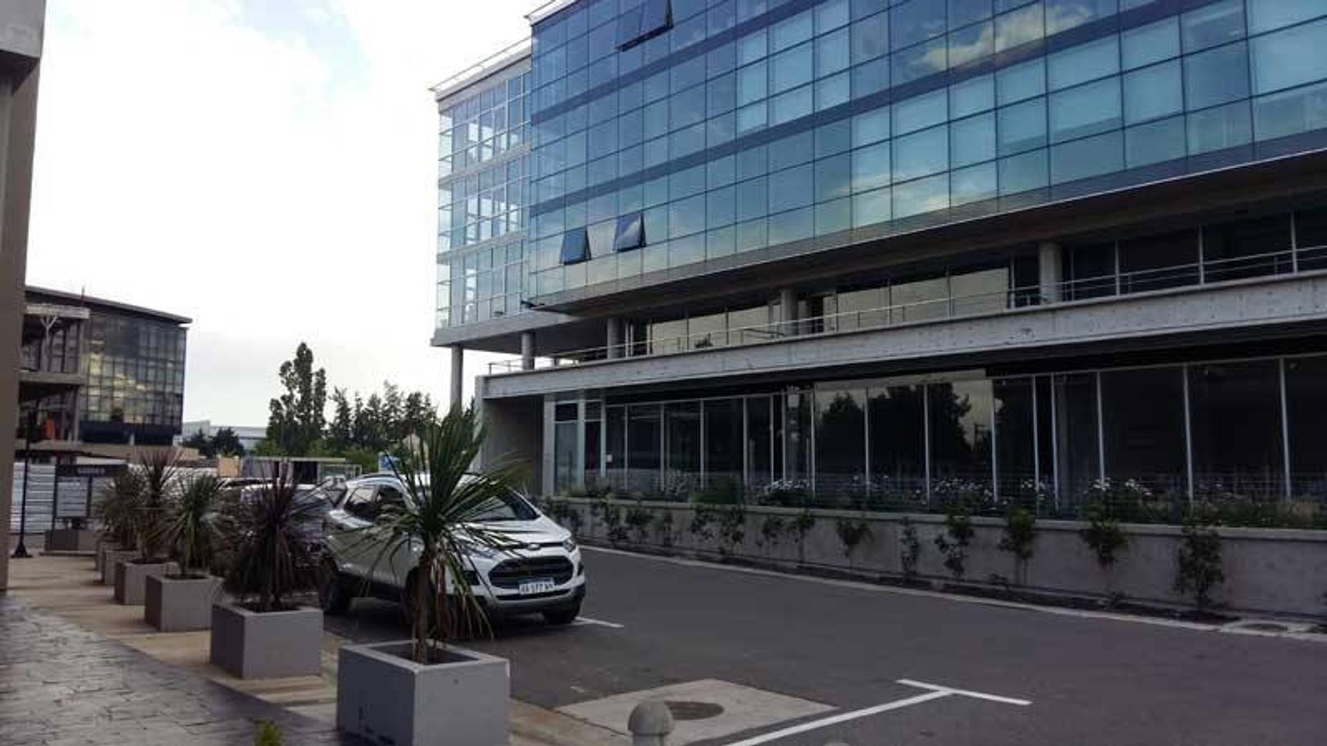 Alquiler de Local en Officia - Pilar
