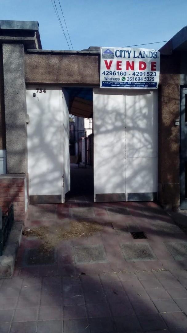 Casa en Venta en Godoy Cruz - 5 ambientes