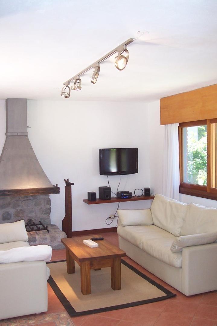 Casa - 180 m² | 4 dormitorios | 4 baños