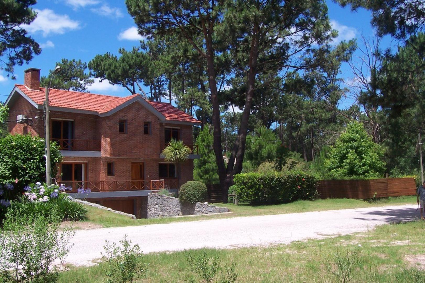 Casa en Alquiler Por Temporada - 5 ambientes - USD 10.000