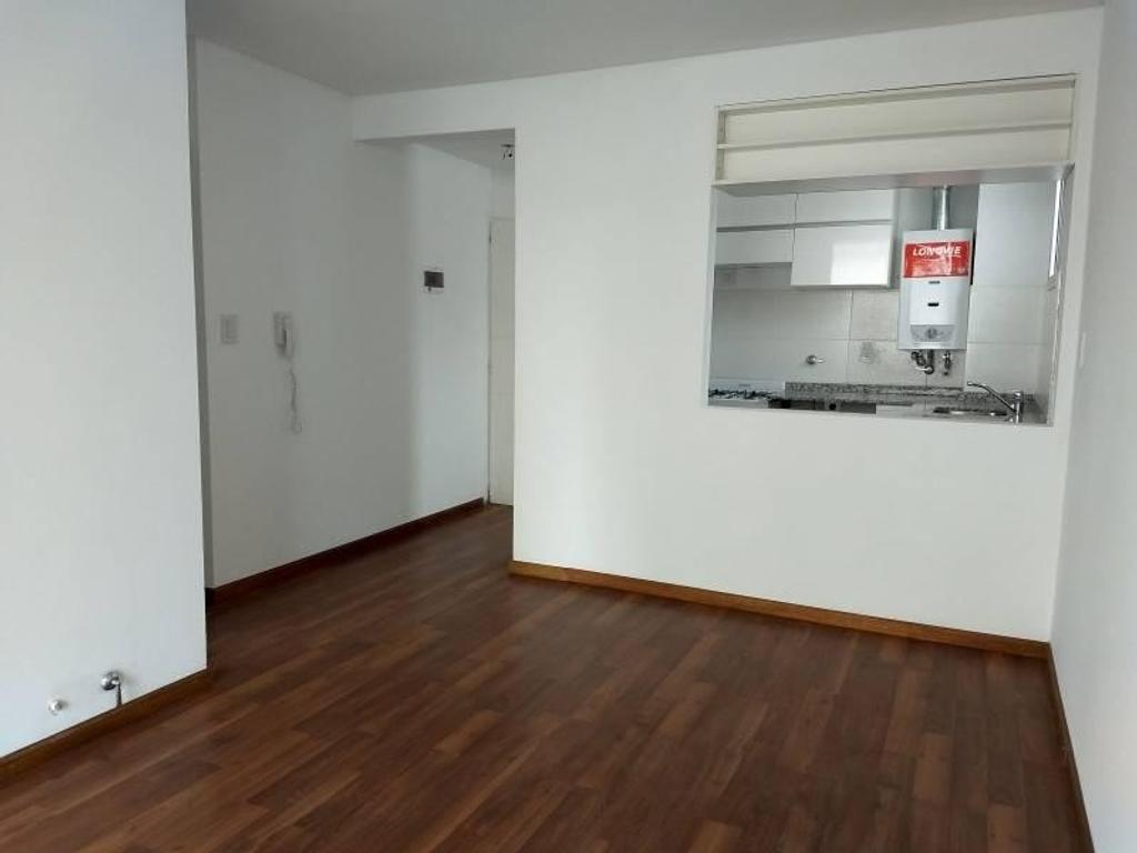 1 Dormitorio con Patio en zona céntrica